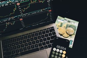 Are Technical Indicators Useless In 2021?